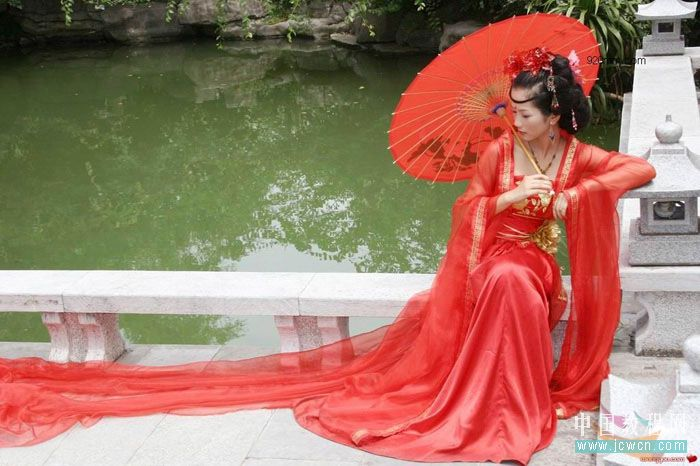 Photoshop教程:黑白命令打造古装美女水墨画效果_中国教程网