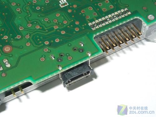 反观主流移动硬盘由于有一个独立的pcb电路板转换接口,,根据统计出现